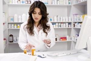 pharmacist कैसे बने - फार्मासिस्ट कैसे बने - केमिस्ट कैसे बने - chemist kaise bane -